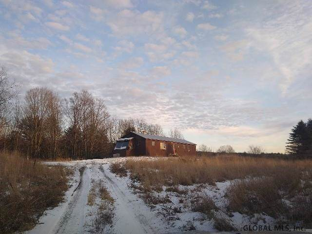 146 Hatch Hill Rd, Whitehall, NY 12887 (MLS #202011414) :: Picket Fence Properties
