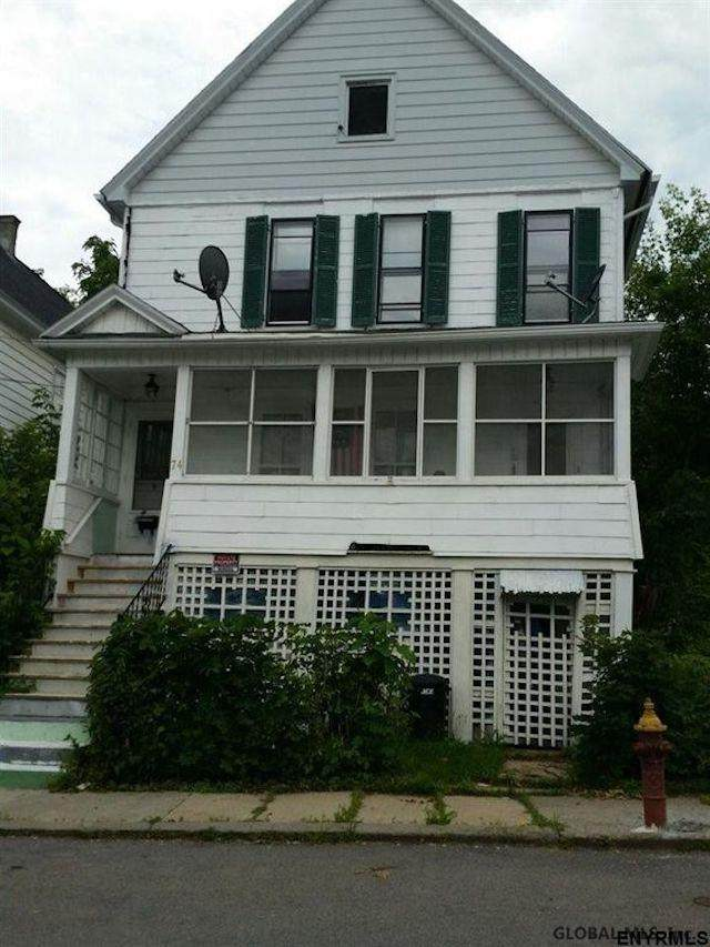 74 Elizabeth St - Photo 1