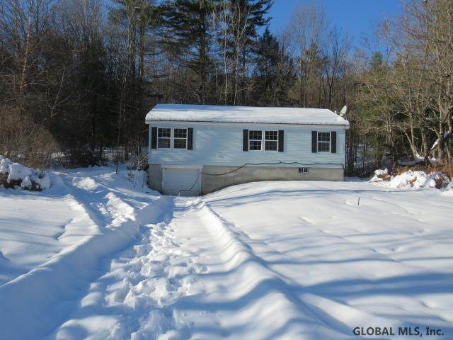 1093 County Highway 123, Mayfield, NY 12117 (MLS #202013197) :: 518Realty.com Inc