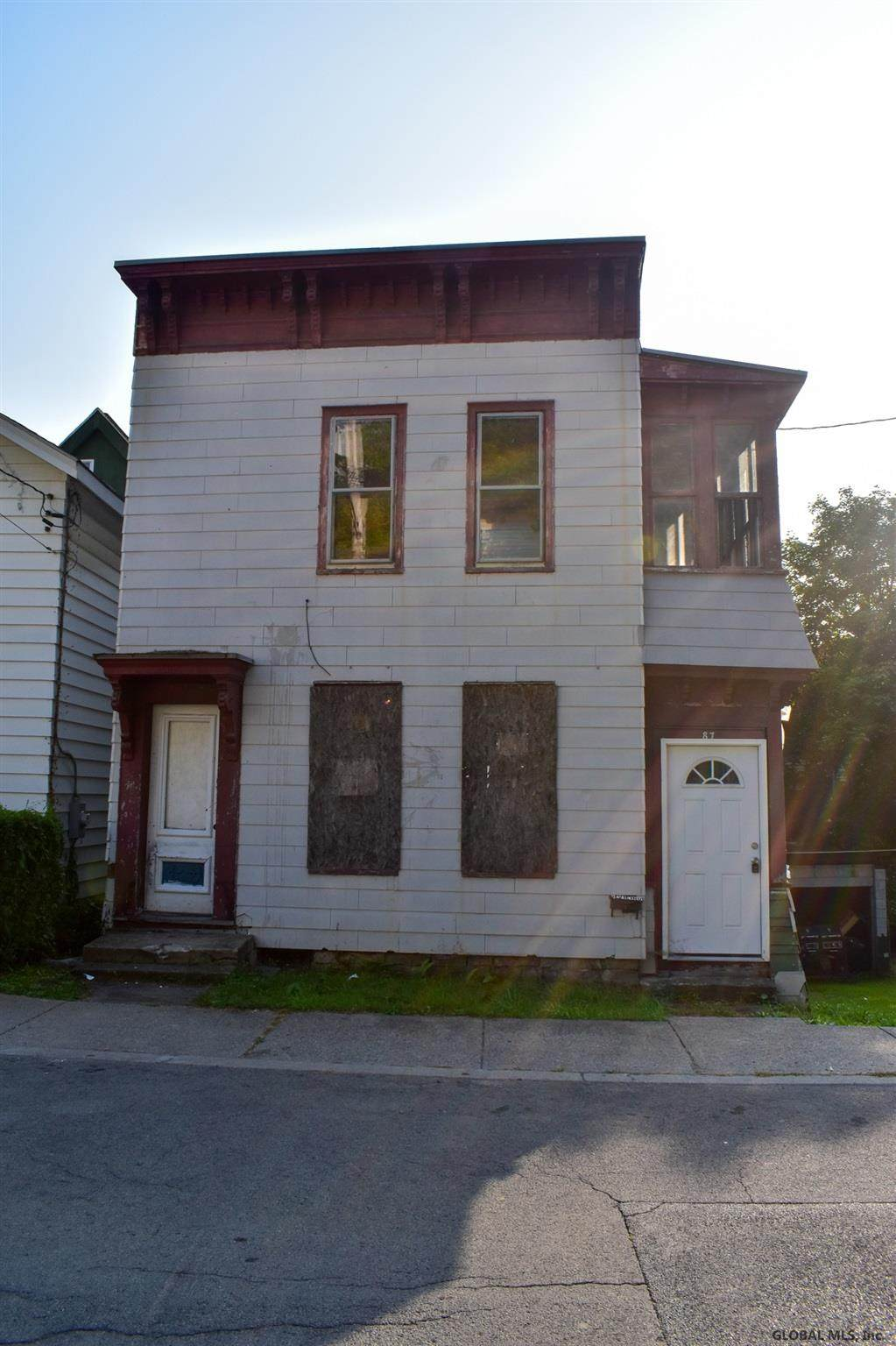 87 Forbes St - Photo 1