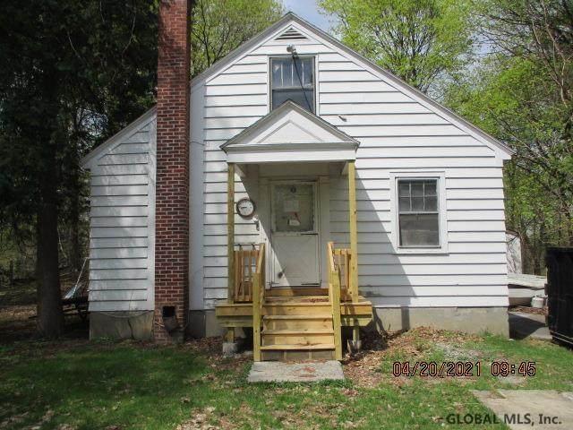 2 Normanskill Dr, Albany, NY 12209 (MLS #202117889) :: Carrow Real Estate Services