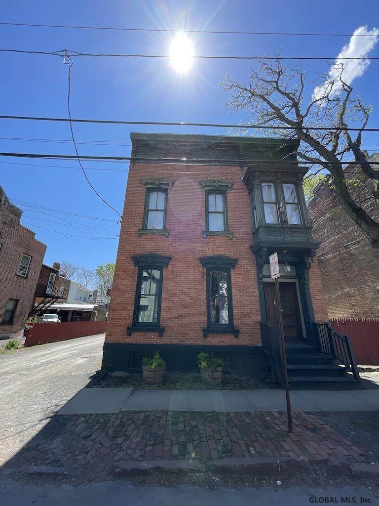 152 Front St - Photo 1