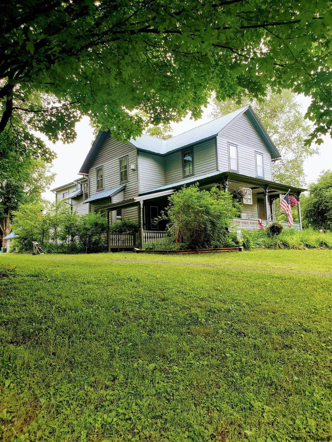 328 Gailey Hill Rd - Photo 1