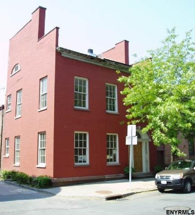 12 State St, Troy, NY 12180 (MLS #201831352) :: Weichert Realtors®, Expert Advisors