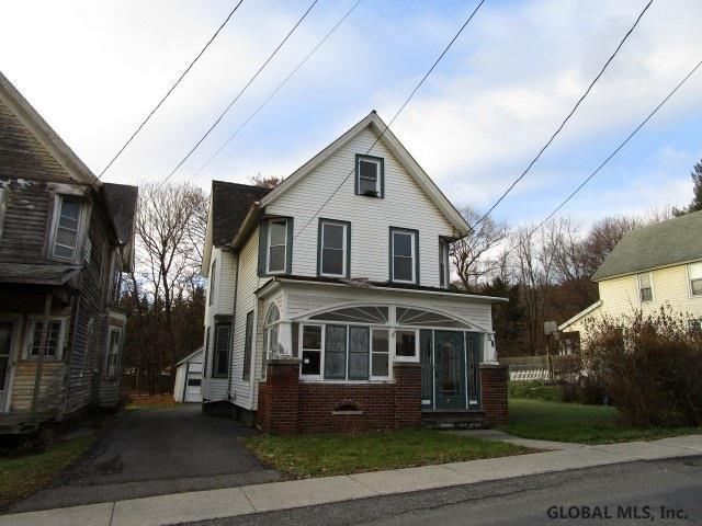 40 Mountain Rd, Ravena, NY 12143 (MLS #201833944) :: Picket Fence Properties