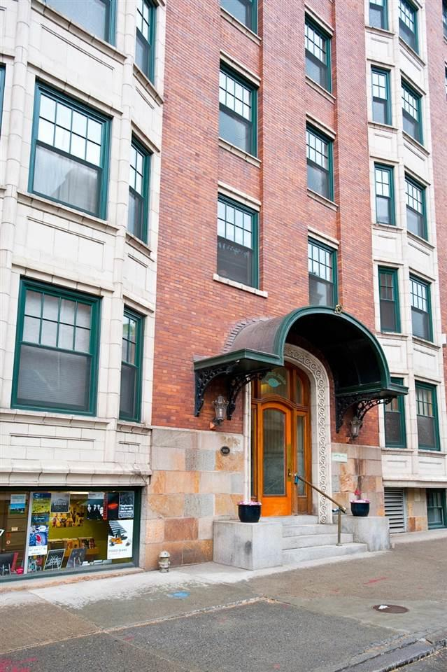 352 State St, Albany, NY 12210 (MLS #201910774) :: Victoria M Gettings Team