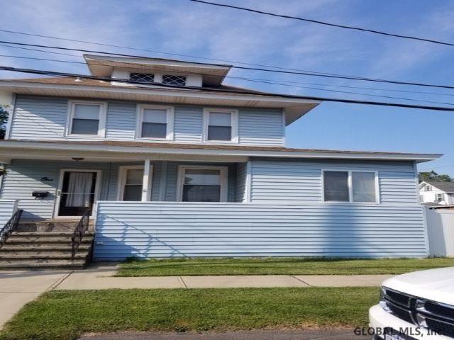 1 Delaware Ct, Watervliet, NY 12189 (MLS #201925305) :: Picket Fence Properties