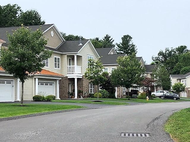 402 Vly Pointe Dr, Niskayuna, NY 12309 (MLS #201927715) :: Picket Fence Properties