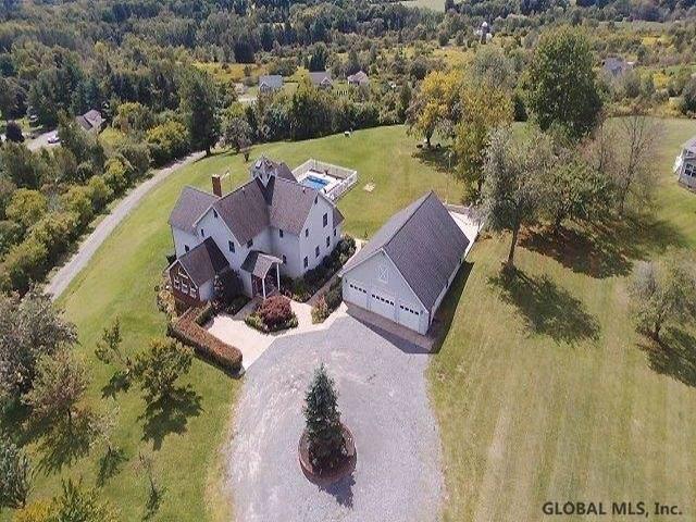 32 Pine Av, Johnstown, NY 12095 (MLS #201930274) :: Picket Fence Properties