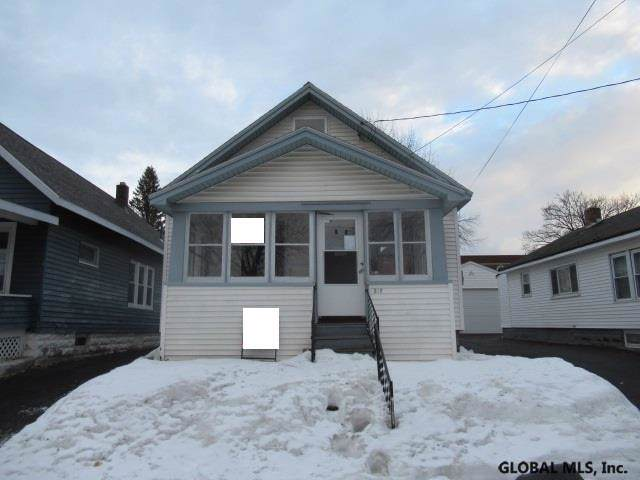 315 4TH ST, Scotia, NY 12302 (MLS #202011270) :: Picket Fence Properties