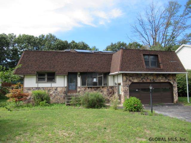 1024 St Lucille Dr, Schenectady, NY 12306 (MLS #201929891) :: Picket Fence Properties
