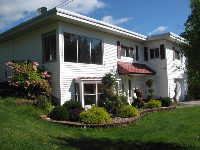105 Strawberry Hill Rd, Johnstown, NY 12078 (MLS #201930540) :: Victoria M Gettings Team
