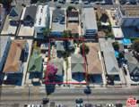 1123 Normandie Ave - Photo 1