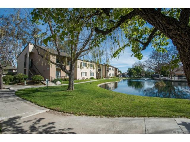 24424 Nicklaus Drive K2, Valencia, CA 91355 (#SR17038764) :: Paris and Connor MacIvor