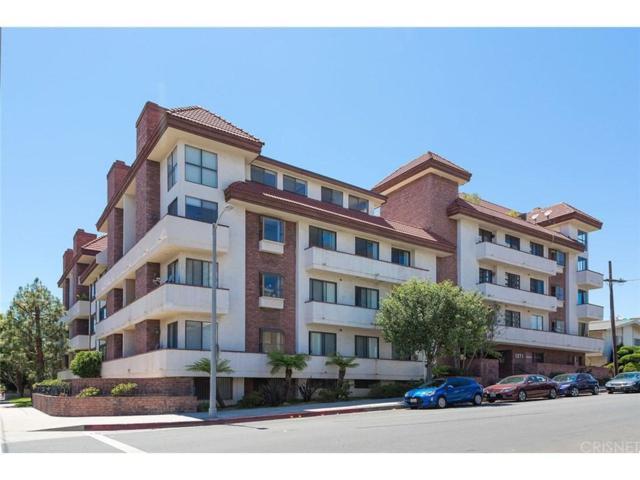 1271 Granville Avenue #306, Los Angeles (City), CA 90025 (#SR17132591) :: TBG Homes - Keller Williams