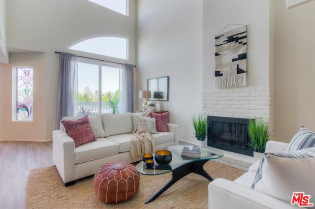 2677 Centinela Avenue #402, Santa Monica, CA 90405 (#17259950) :: The Fineman Suarez Team