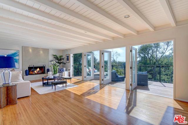645 Las Lomas Avenue, Pacific Palisades, CA 90272 (#17261046) :: TruLine Realty