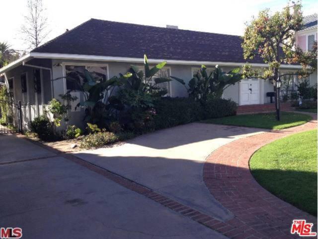 513 N Bedford Drive, Beverly Hills, CA 90210 (#17253496) :: TBG Homes - Keller Williams