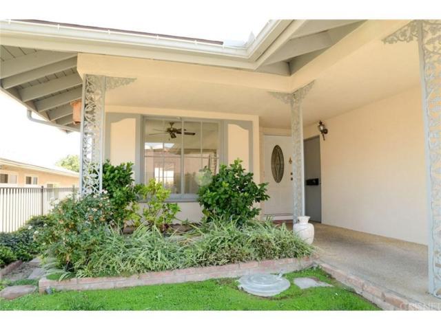 26720 Oak Garden Court, Newhall, CA 91321 (#SR17208915) :: Paris and Connor MacIvor