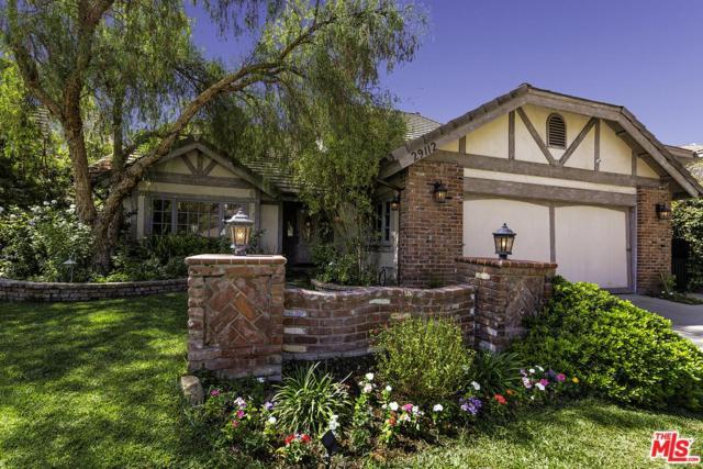 29112 Oakpath Drive, Agoura Hills, CA 91301 (#17268862) :: Lydia Gable Realty Group