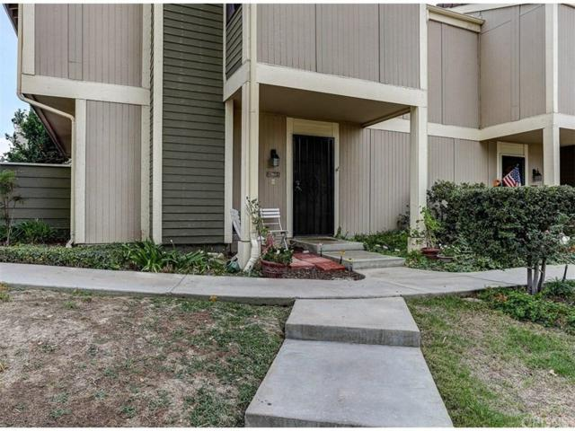 27064 Crossglade Avenue #1, Canyon Country, CA 91351 (#SR17215696) :: Paris and Connor MacIvor