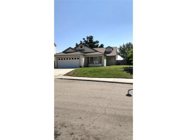 28304 Klevins Court, Canyon Country, CA 91387 (#SR17196126) :: Paris and Connor MacIvor