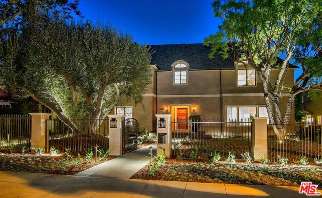 606 N Oakhurst Drive, Beverly Hills, CA 90210 (#17277398) :: DSCVR Properties - Keller Williams