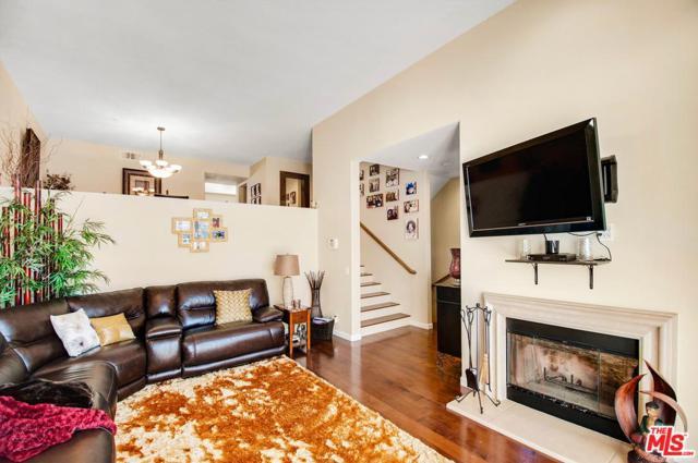 7507 Hannum Avenue, Culver City, CA 90230 (#17278888) :: TruLine Realty
