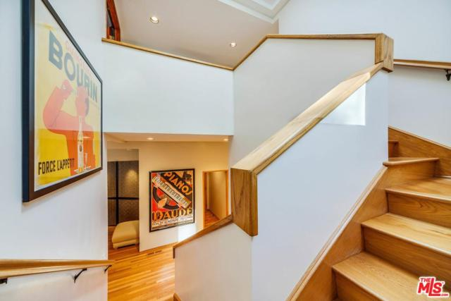 1295 N Beverly Drive, Beverly Hills, CA 90210 (#17279318) :: DSCVR Properties - Keller Williams