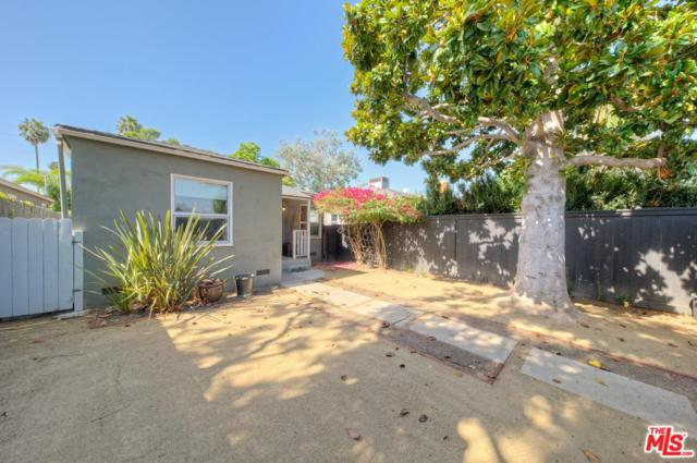 2047 Walgrove Avenue, Los Angeles (City), CA 90066 (#17279690) :: The Fineman Suarez Team