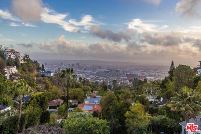 8827 Evanview Drive, Los Angeles (City), CA 90069 (#17281802) :: Paris and Connor MacIvor