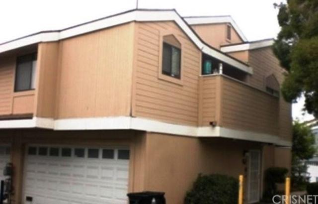 13063 Hubbard Street #5, Sylmar, CA 91342 (#SR17239349) :: Paris and Connor MacIvor
