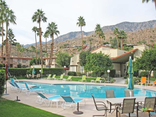 2240 S Palm Canyon Drive #28, Palm Springs, CA 92264 (#17289804PS) :: The Fineman Suarez Team