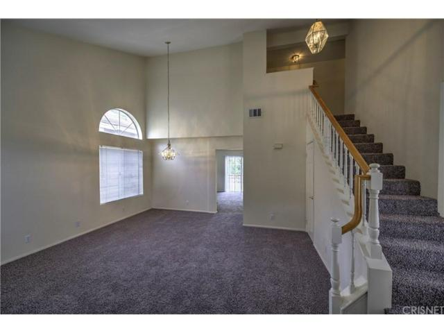 27632 Kevin Place, Saugus, CA 91350 (#SR17260632) :: The Real Estate Offices of Talbot and Watson