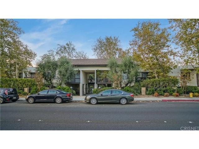 23515 Lyons Avenue #150, Valencia, CA 91355 (#SR17260098) :: Paris and Connor MacIvor