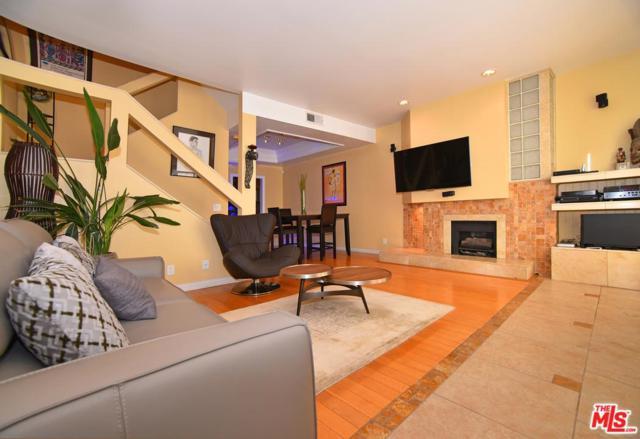 3675 Keystone Avenue #3, Los Angeles (City), CA 90034 (#17294206) :: The Fineman Suarez Team