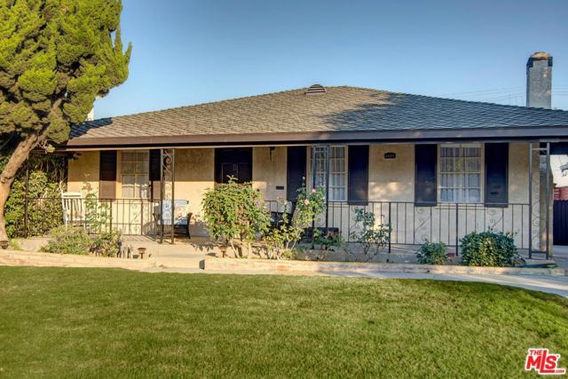 8028 Vicksburg Avenue, Los Angeles (City), CA 90045 (#17294812) :: The Fineman Suarez Team