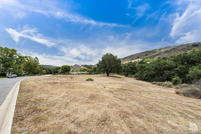 5216 Island Forest Place, Westlake Village, CA 91362 (#218001422) :: Lydia Gable Realty Group