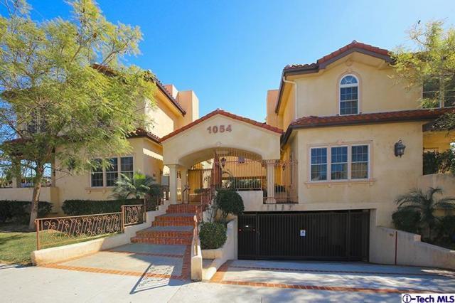 1054 Western Avenue #103, Glendale, CA 91201 (#318000595) :: Golden Palm Properties
