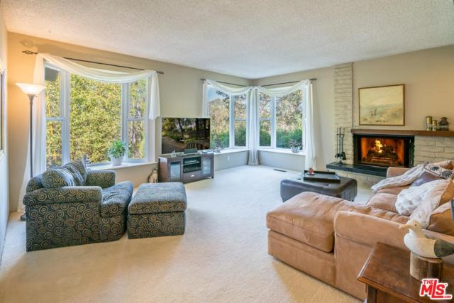 5 Fellowship Circle, Santa Barbara, CA 93109 (#18313726) :: Golden Palm Properties