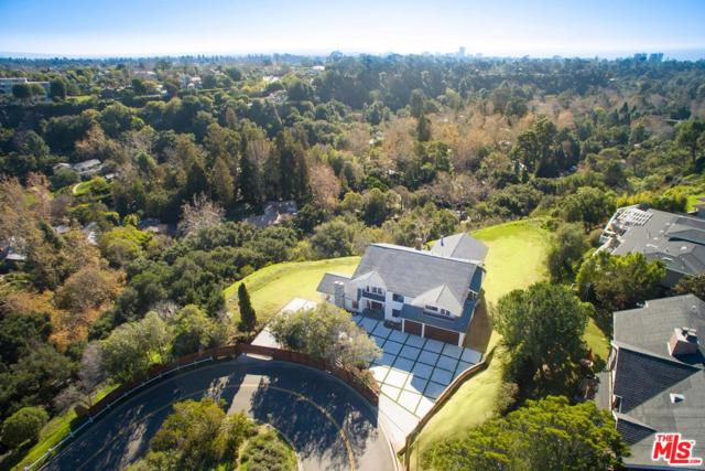 1061 Will Rogers State Park Road, Pacific Palisades, CA 90272 (#18322674) :: The Fineman Suarez Team