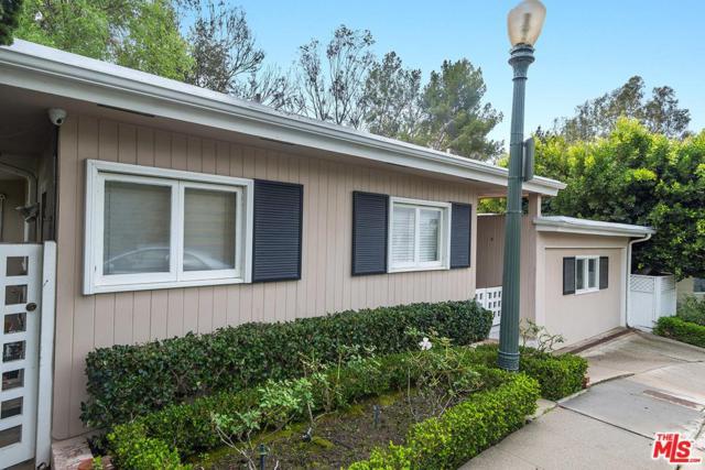547 Cashmere Terrace, Los Angeles (City), CA 90049 (#18323852) :: The Fineman Suarez Team