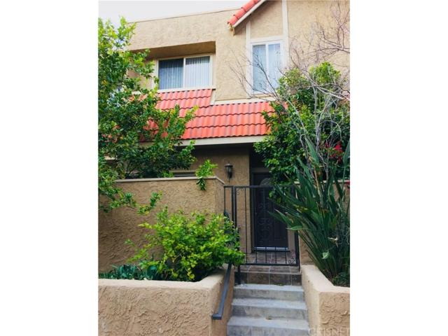 17912 River Circle #4, Canyon Country, CA 91387 (#SR18067489) :: Golden Palm Properties