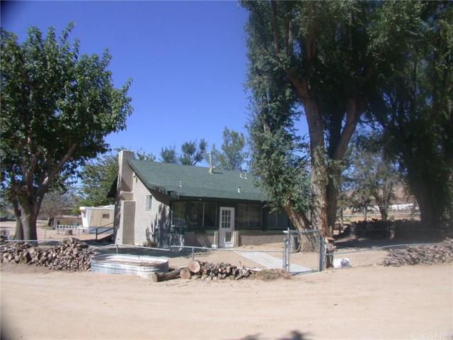 7650 Elizabeth Lake Road, Leona Valley, CA 93551 (#SR18057907) :: The Fineman Suarez Team