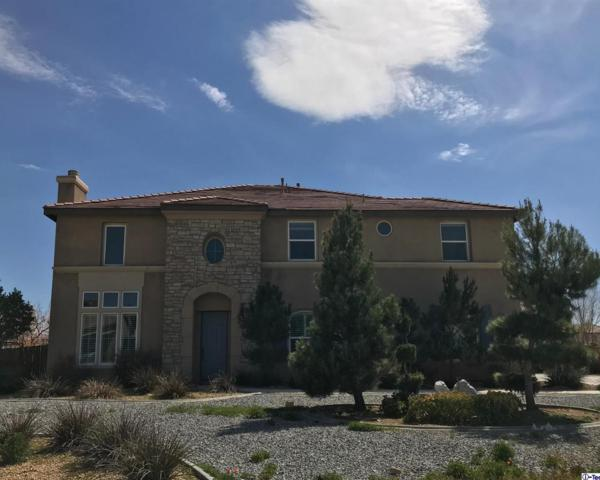 19151 La Quinta Place, Apple Valley, CA 92308 (#318001146) :: TruLine Realty
