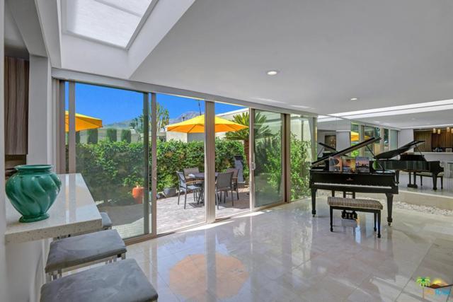 70164 Frank Sinatra Drive, Rancho Mirage, CA 92270 (#18333602PS) :: Lydia Gable Realty Group