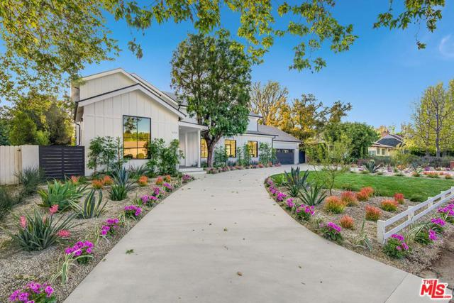 4715 Arcola Avenue, Toluca Lake, CA 91602 (#18333824) :: Golden Palm Properties