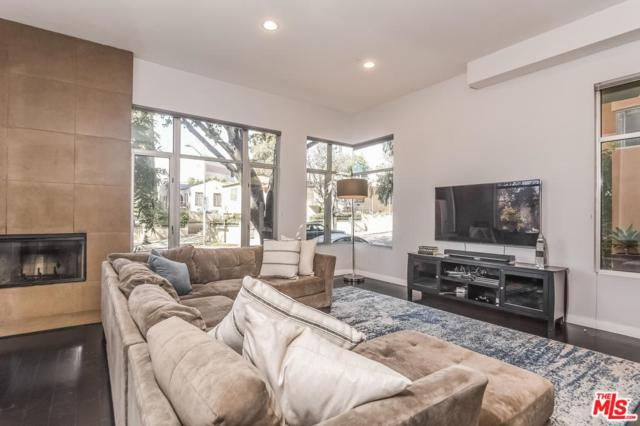 900 N West Knoll Drive #3, West Hollywood, CA 90069 (#18334314) :: Golden Palm Properties
