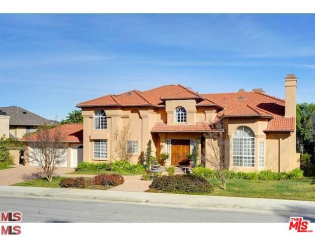 3826 Marks Road, Agoura Hills, CA 91301 (#18334250) :: Golden Palm Properties