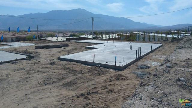 13907 Avenida La Vista, Desert Hot Springs, CA 92240 (#18334430PS) :: The Fineman Suarez Team